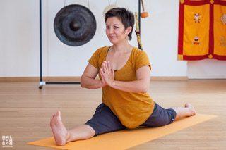 Assel professeur de yoga